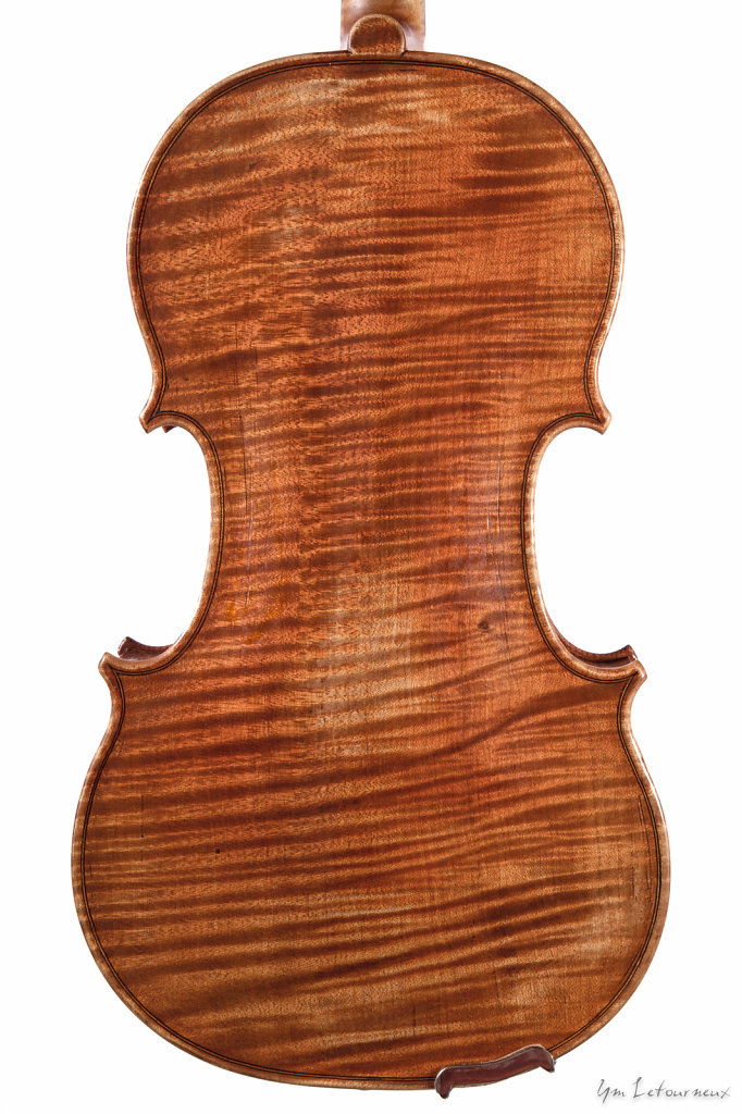 Violin-2012-Stradivari-model-back.jpg